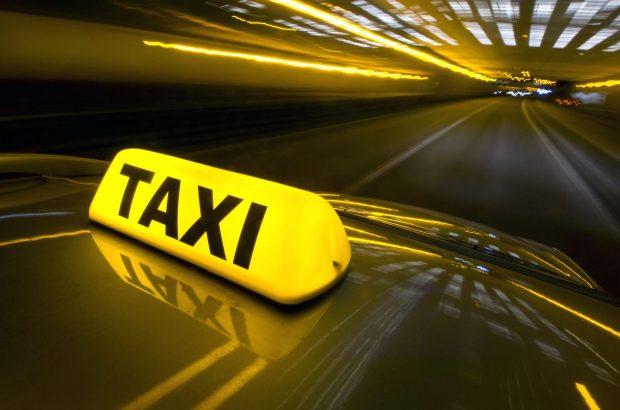 پرداخت الکترونیک کرایه تاکسی در قم اجرایی میشود