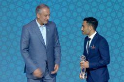 اهدای جایزه بهترین بازیکن سال فوتسال آسیا به علی اصغر حسنزاده