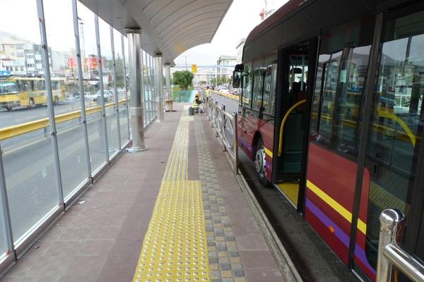 کاهش اقبال قمیها به استفاده از اتوبوس/ سهم اتوبوسهای عمومی در سفرهای درونشهری قم به زیر ۱۰ درصد رسید