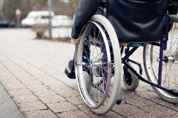 سالانه ۶۰ هزار نفر بر اثر سوانح رانندگی معلول میشوند/ برای کنترل جمعیت معلولان نیازمند پیشگیری هستیم