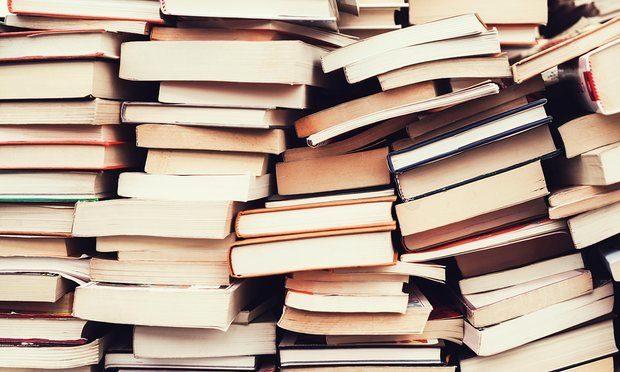 کاهش چشمگیر صادرات کتاب از قم/ قاچاق کتاب معضل صنعت نشر شده است