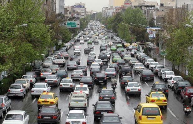 خیابانهای قم در تسخیر خودروهای تک سرنشین