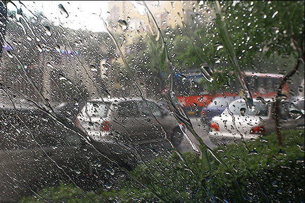 هوای قم شب عید بارانی است