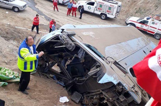 واژگونی اتوبوس در قم/۴ نفر فوت کردند + اسامی مصدومان
