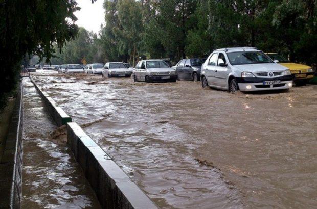 ضعف شبکه جمعآوری آبهای سطحی در شهر قم مشهود است
