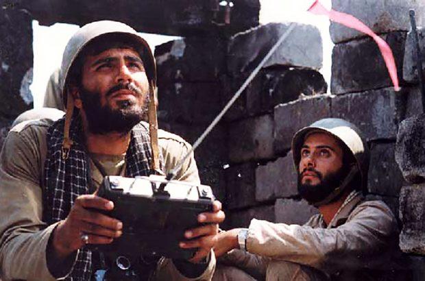 فیلمهای انقلاب و دفاع مقدس را باید از کلیشه خارج کرد/ پیام انقلاب را با زبان فیلم به دنیا منتقل کنیم