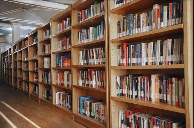 ۴۶۶ هزار جلد کتاب در سال ۹۷ به امانت داده شد/ افزایش۳۰درصدی کتابهای امانی در قم