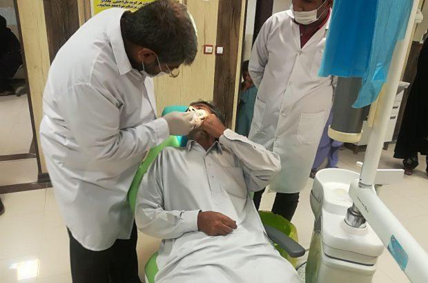 ارائه خدمات پزشکی و دندانپزشکی در منطقه محروم دلگان