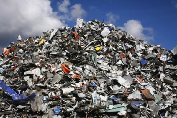 کمتر از ۱۲ درصد از زبالههای قم بازیافت میشود