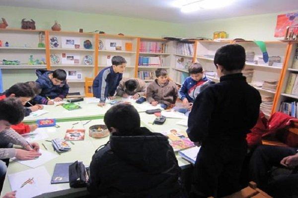 اجرای برنامههای فرهنگی برای کودکان و نوجوانان در ۲۳ کتابخانه قم