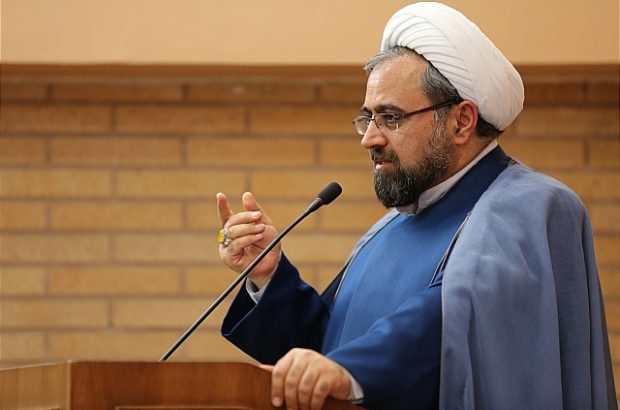 فعالیت حزبی و جناحی در مساجد خیانت است/ مسجد جای رقابت انتخاباتی نیست