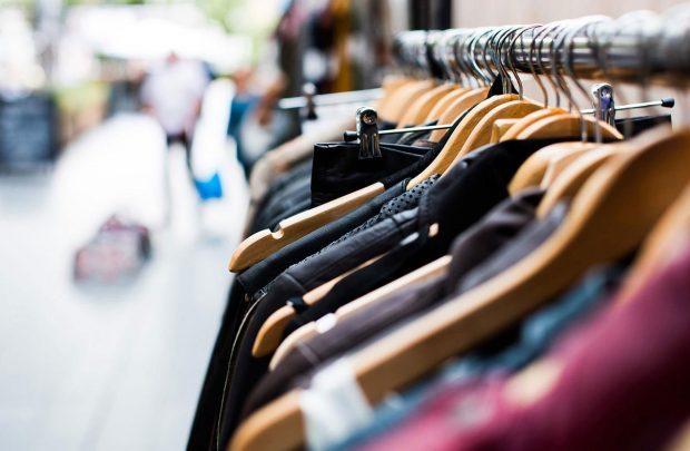 ۲۰ درصد بازار پوشاک قم قاچاق است