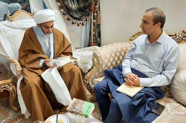 دیدار رئیس حوزه هنری استان قم با راوی کتاب «حجره شماره دو»