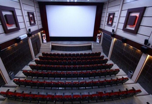 سینماهای قم تعطیل شد