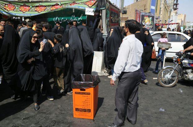 توزیع کارتن پلاست و کیسه جمع آوری پسماند در بین هیئات و ایستگاه های صلواتی