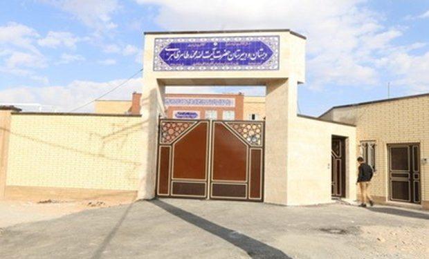 افتتاح نخستین مدرسه خیرساز مجهز به نیروگاه خورشیدی