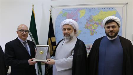 درخواست سفیر یونان در ایران برای نامگذاری روزی به نام «فلسفه و حکمت ایران و یونان»