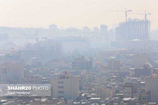 زنگ خطر آلودگی هوا در قم/ خودروهای آلاینده اعمال قانون شوند