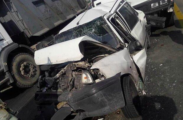 تصادف خودروی سنگین با پراید در قم یک کشته و ۳ مجروح برجای گذاشت