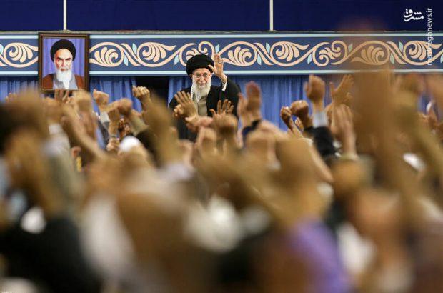 مردم قم به دیدار رهبر انقلاب میروند