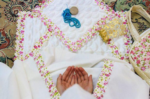 جشن تکلیف دختران ۹ ساله در حرم بانوی کرامت برگزار شد+تصاویر