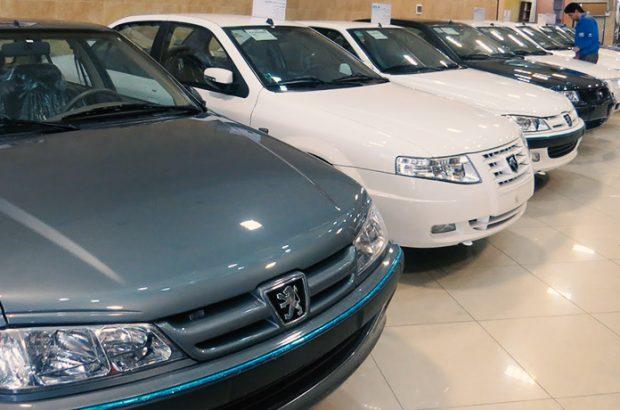 کرونا بازار خودروی قم را راکد کرد/ خریداری برای خودرو نیست/ دلالها خودسرانه قیمتها را بالا میبرند