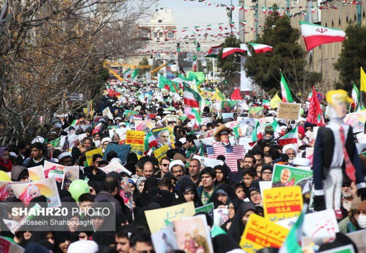 تصاویر/ حضور پرشور مردم قم در راهپیمایی ۲۲ بهمن