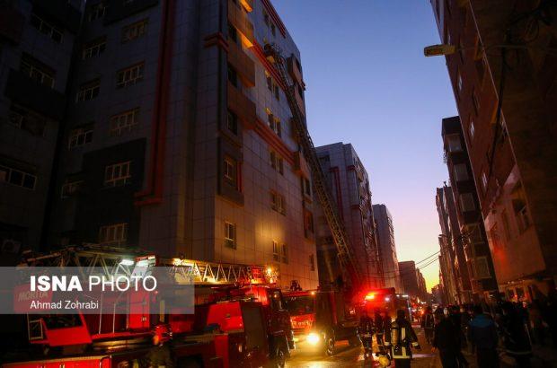 تصاویری از آتشسوزی گسترده در مجتمع مسکونی سحر قم