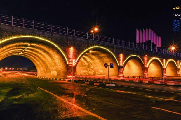 نورپردازی تمام پلها و تقاطعهای غیرهمسطح شهر قم