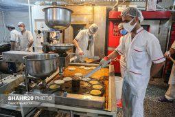 گزارش تصویری/ پخت زولبیا و بامیه ماه رمضان در قم