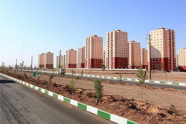تجاریهای پردیسان قم متناسب با واحدهای مسکونی واگذار نشده است