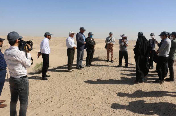 بازدید خبرنگاران از مراتع بیابانی قم