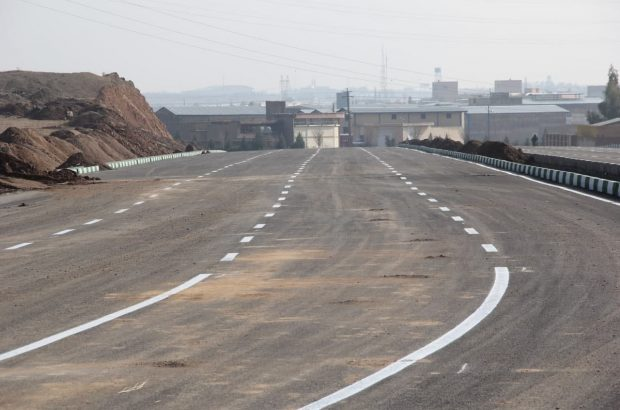 اجرای عملیات خط کشی ترافیکی معبر اختصاصی شهرک خودرو