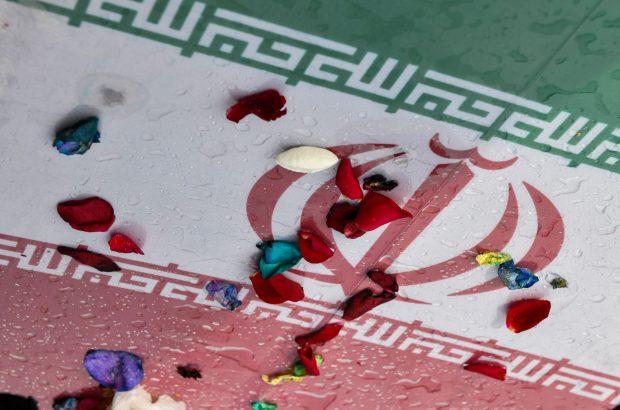 پیکر مطهر یک شهید گمنام در بوستان امام حسن(ع) قم آرام گرفت +تصاویر