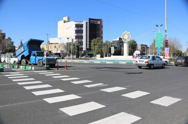 اجرای مسیرهای گذر عابر پیاده در بلوار شهید نواب