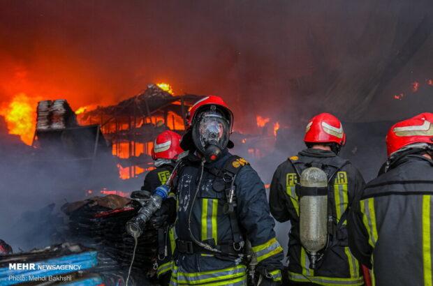 آتشنشانی قم مسئول اطفای حریق شهرکهای صنعتی نیست