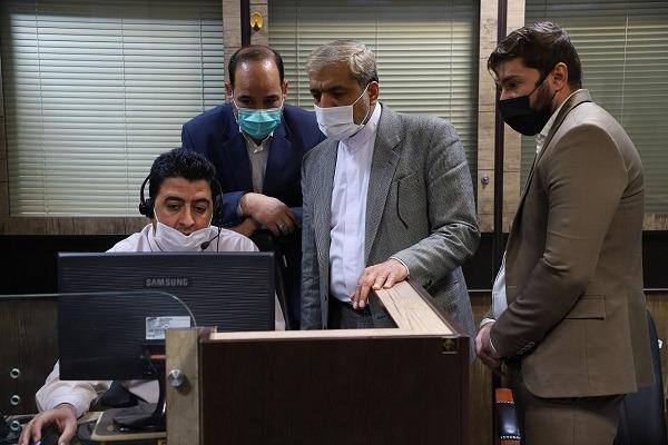 بازدید اعضای شورای شهر از سامانه ۱۳۷ شهرداری قم +تصاویر