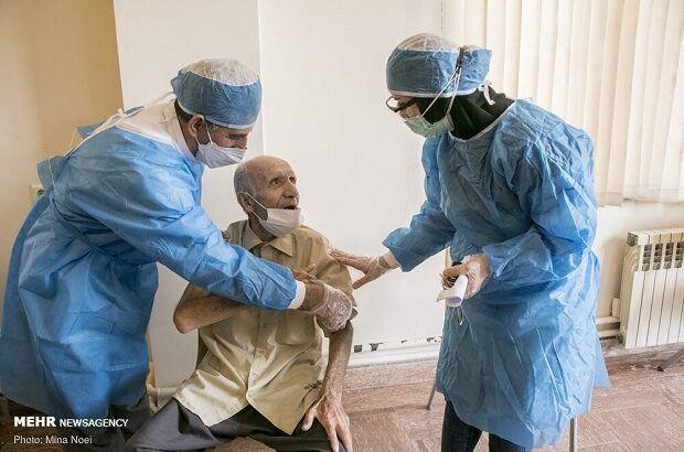 تمدید واکسیناسیون سالمندان قم تا ۱۵ اردیبهشت