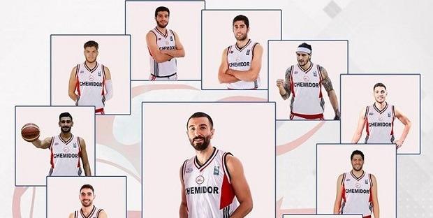 کوچ بازیکنان قهرمان لیگ بسکتبال به شیمیدر قم