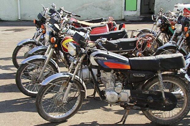 کشف ۳۱ دستگاه خودرو و موتورسیکلت سرقتی در قم
